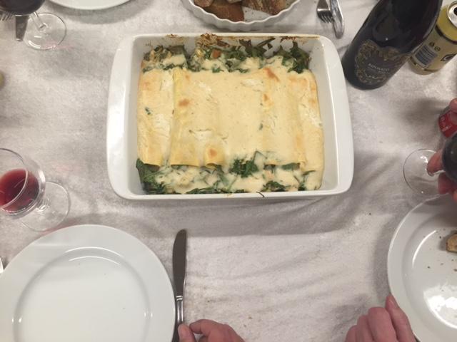 Pastaruller med kylling og bechamelsauce